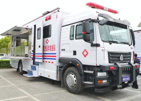 """从5G智慧负压救护车到移动方舱医院 看河南这家企业如何化危为机造就""""神奇"""""""